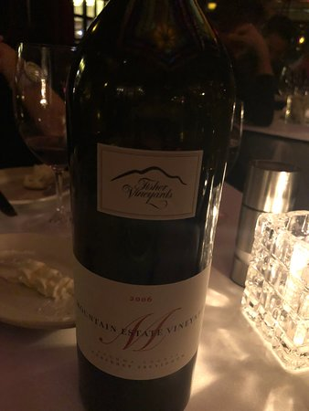 Vic & Anthony's Steakhouse : Great pairing of wine