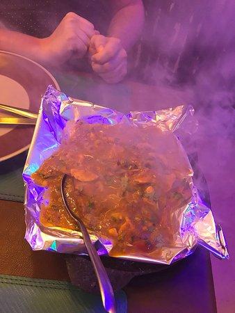 Guru Restaurant & Bar: Sizzling chicken! Recommended!