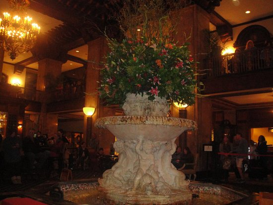 Holiday Inn Select Memphis - Downtown (Beale Street): Peabody Hotel