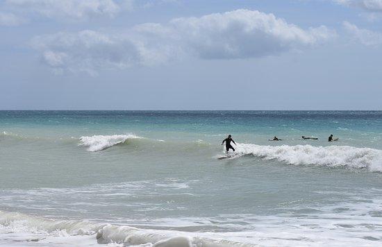 Surf Guide Algarve: Surfing at Praia Da Luz