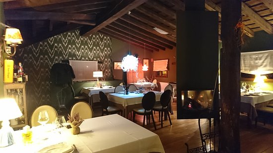 imagen Restaurante Torre Berrueza en Espinosa de los Monteros