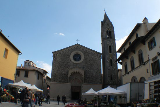 Scarperia e San Piero, Italie : la chiesa