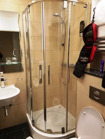TOP Hotel Hammer: Efficient Shower