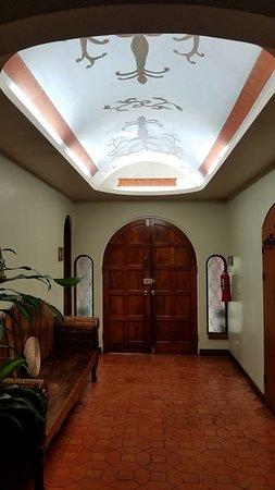 Casa Primo CR: Beautiful entry.