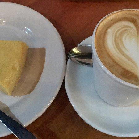 Ah Cacao Chocolate Cafe: photo0.jpg