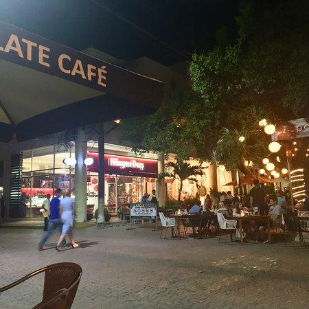 Ah Cacao Chocolate Cafe: photo1.jpg