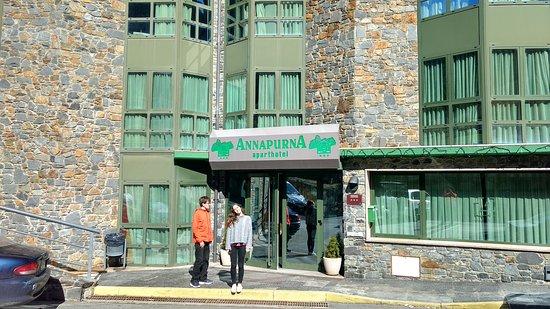 Ansalonga, Andorra: Frente al Hotel