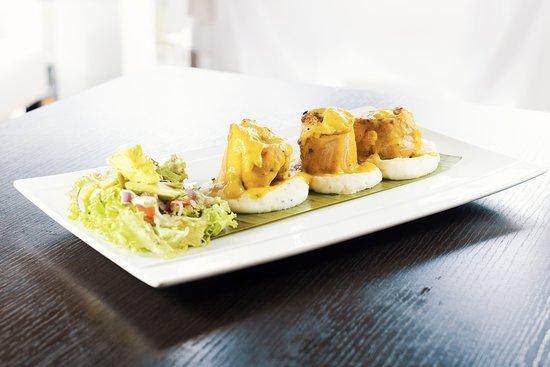 Sirena Gourmet: Rollitos de Trucha en Salsa de Chontaduro sobre Puré de Papas!