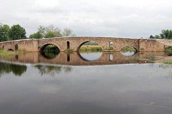 Ponte romana sobre a ribeira de Monforte
