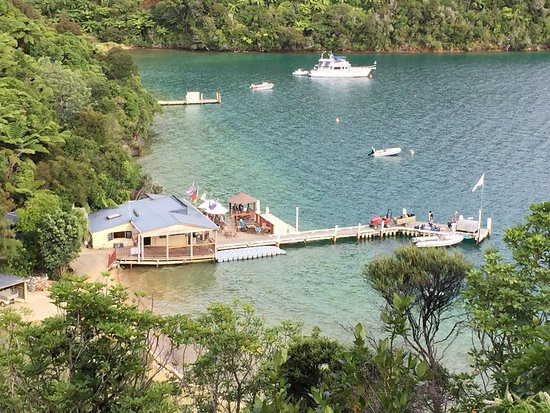 Endeavour Inlet, New Zealand: Boatshed Café and Bar on Jetty