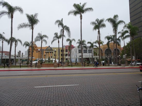 Westfield Horton Plaza : The mall from a distance