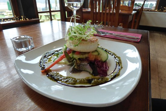 Norley, UK: goats' cheese tartlet with caramelised red onion