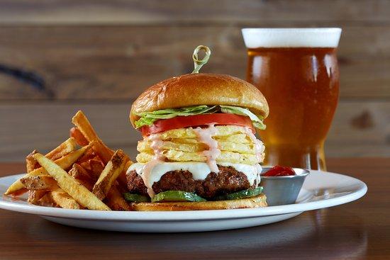 Burtons Grill & Bar: Burger