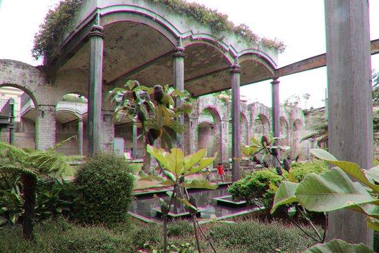Paddington Reservoir Gardens: It is like a temple