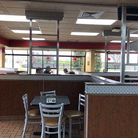 Hardinsburg, Kentucky: Hardee's