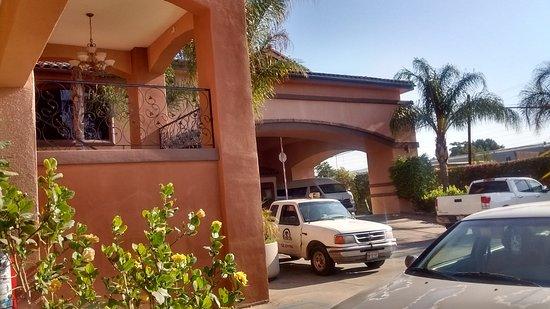 Hotel Estancia Inn Tecate