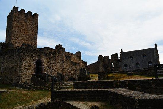 Bourscheid Castle : Innere Burg