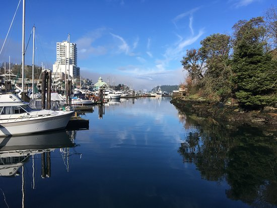 Nanaimo, Canada: Another angle of the harbour
