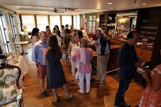 Livingston Manor, NY: BVI Bar, great for gatherings