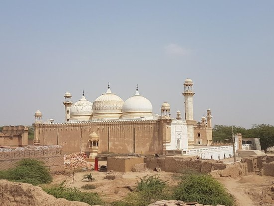 Bahawalpur, Pakistan: Next to Derawar Fort