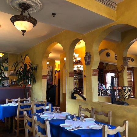 Asteras Greek Taverna: photo1.jpg