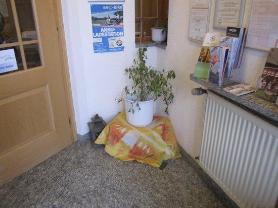 Heiligenberg, Jerman: Eingang zur Gaststube