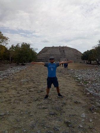 Piramide de Kinich Kak Moo: IMG_20180331_110342_large.jpg