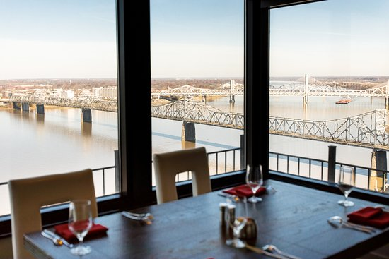 rivue restaurant lounge rivue is on the 25th floor of louisvilles waterfront hotel