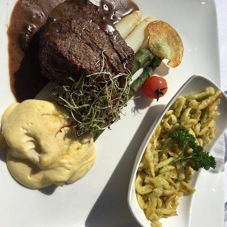Zee Restaurant: photo0.jpg