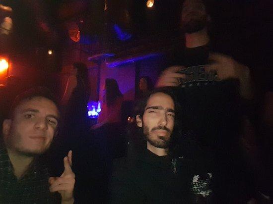 Lohan Nightclub: Friends