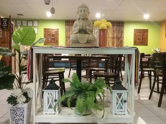 Thai Smile House: We bless you with good company on arrival, and bless you with a full belly when you go.