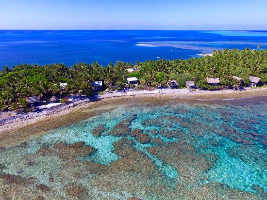 Glovers Reef Atoll, Belize: Aerial photo of Off The Wall Dive Center and Resort and Reef