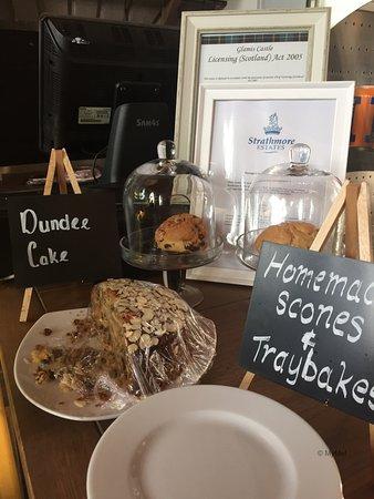 Glamis, UK: Detalles del café en la antigua cocina del castillo