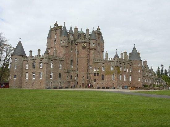 Glamis, UK: Vista exterior del castillo