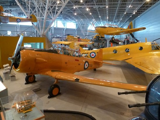 Canada Aviation and Space Museum: Musée canadien de l'aviation