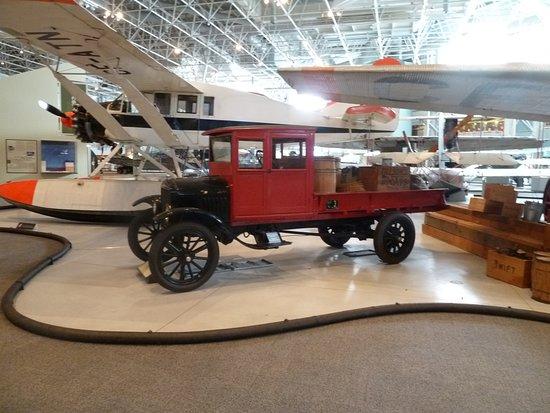 Musée de l'aviation et de l'espace du Canada: Musée canadien de l'aviation