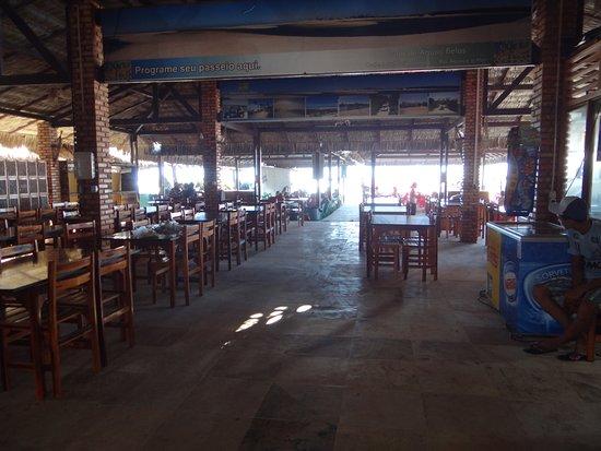Aguas Belas: Amplo e arejado restaurante