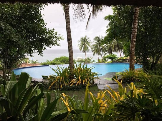 Amun Ini Beach Resort & Spa: View from breakfast, even on a rainy morning.