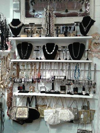 St. Stephen, Kanada: Estate and Vintage Jewelry