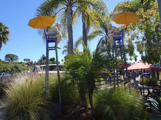 Solana Beach, CA: Pensive lifeguards art installation at entry to village