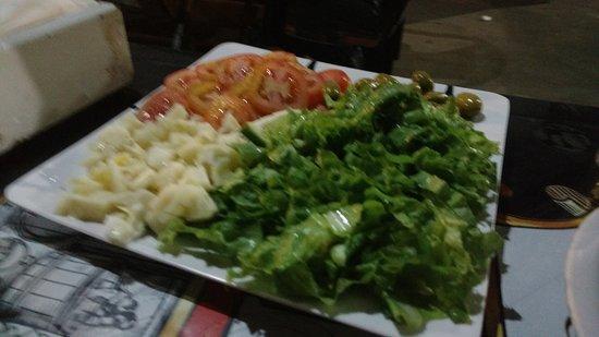 Santo Expedito: Salada de alface, palmito, tomate e azeitona
