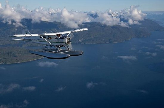 Scenic Flight and Crab Feast from Ketchikan