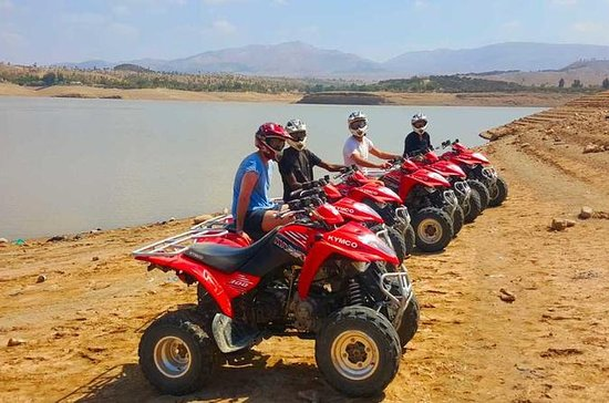 Quad biking at the lake Lalla...