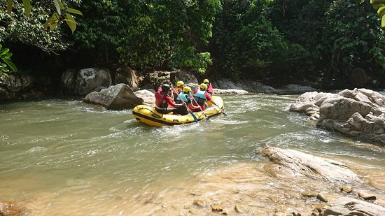 xventure mind. White water rafting Slim River