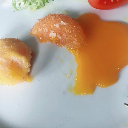 Laurino, Italie : Pasquetta alla Rupe! Tuorlo Dell'uovo Fritto , Sfizioso e Gustoso. Tortino al Cioccolato, davver