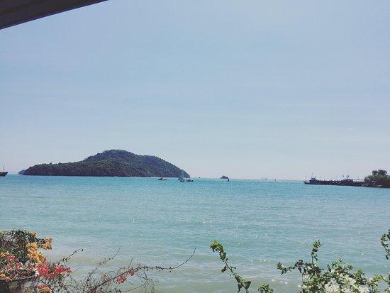 Fiji Palms Hotel Phuket: Вид из Бунгало