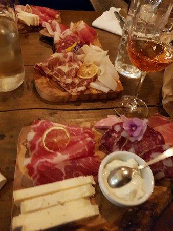 Province of Forli-Cesena, Italia: ottimi taglieri