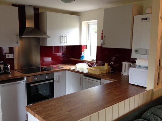 Wheddon Cross, UK: Quarme Cottage kitchen