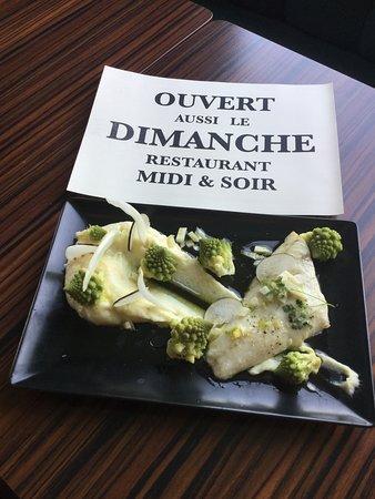 Oullins, France : Poisson aussi le Dimanche!