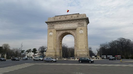 Triumph Arch: 20180331_111226_large.jpg